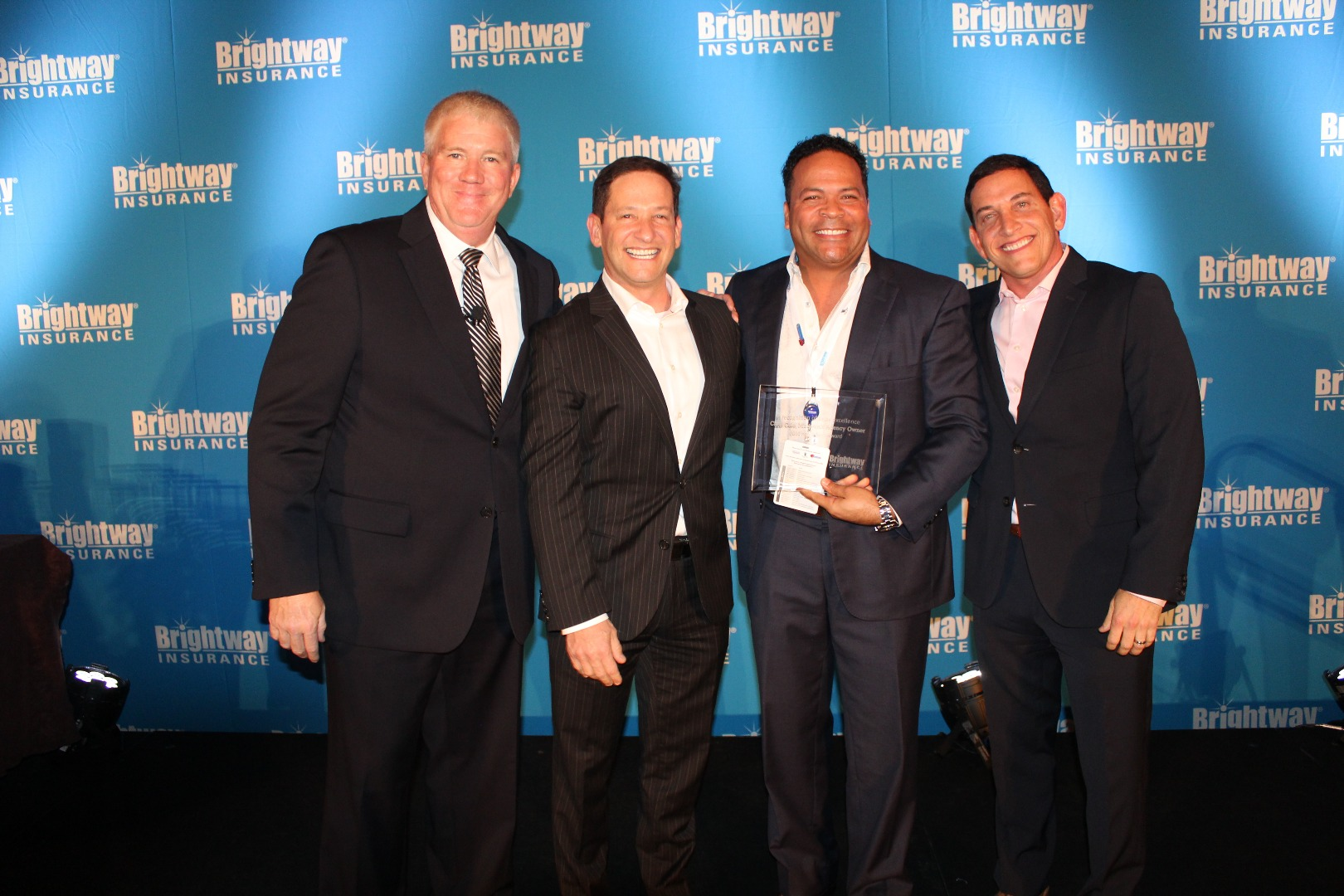 01.18.2017_Multi-unit Owner, Chris Cole, brings home Brightway Insurance's top award for exceptional performance in 2016.JPG