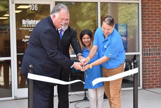 0234ribboncutting_newsroom.jpg